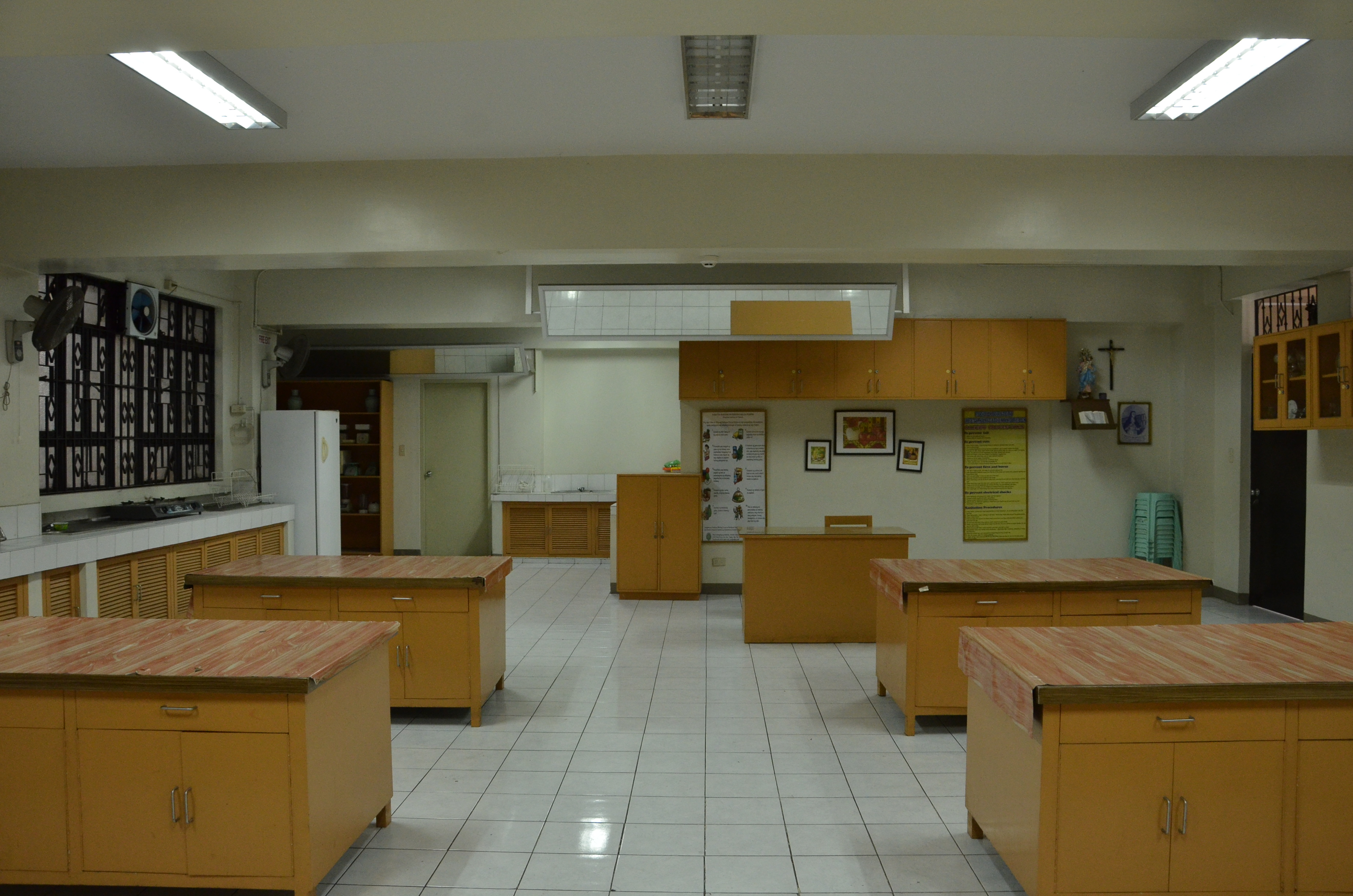 FOOD LABORATORY - BED FACILITIES