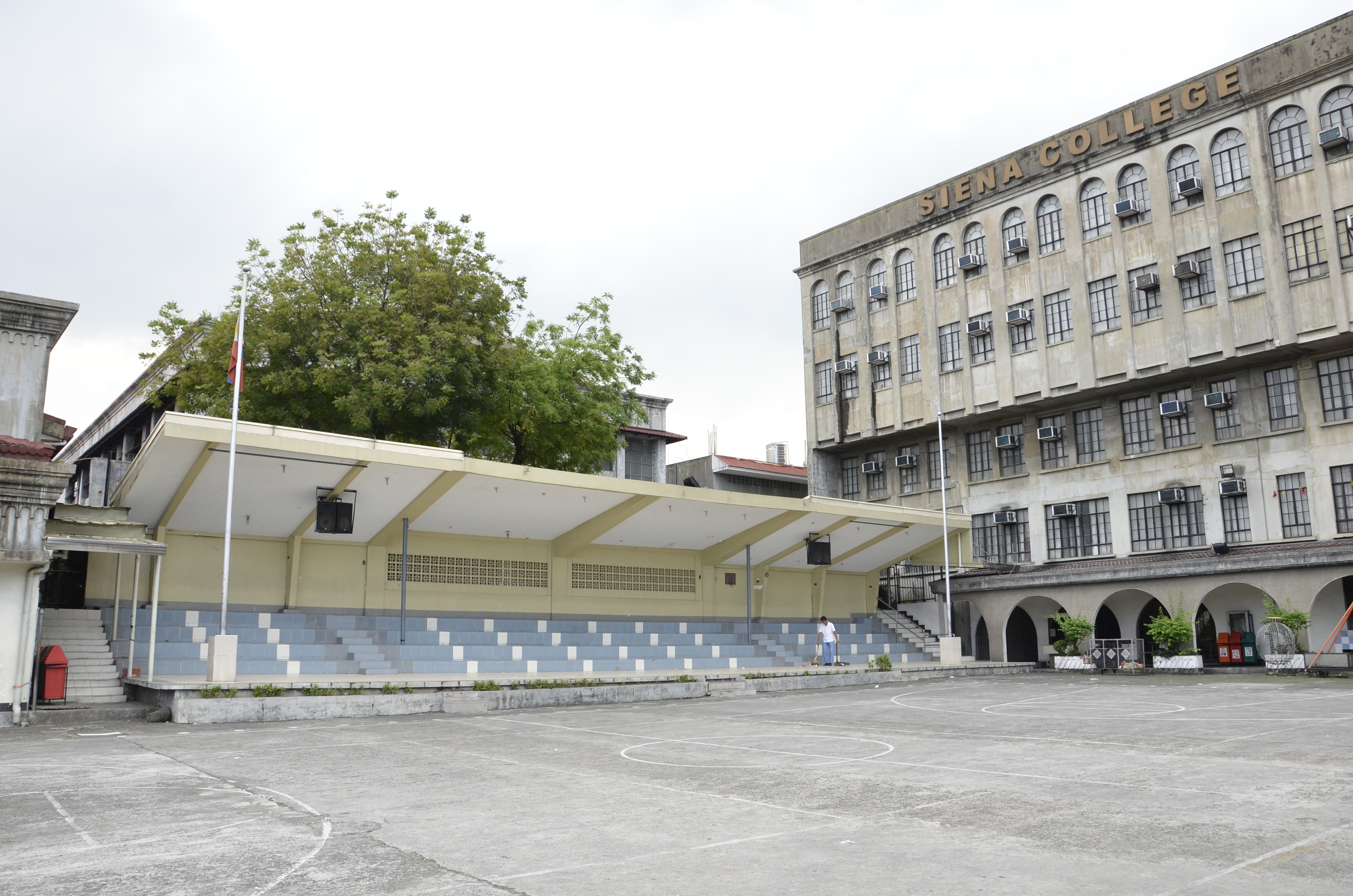 ST. THOMAS GRANDSTAND - INSTITUTIONAL FACILITIES
